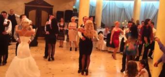 Distracție maximă la nunta unor dansatori profesioniști