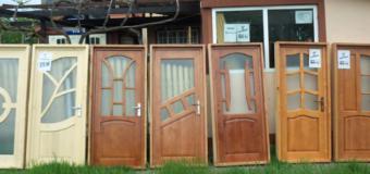 Uși din lemn la comandă