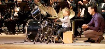 Lyonya Shilovsky – 3 Years – Canta la tobe alaturi de orchestra